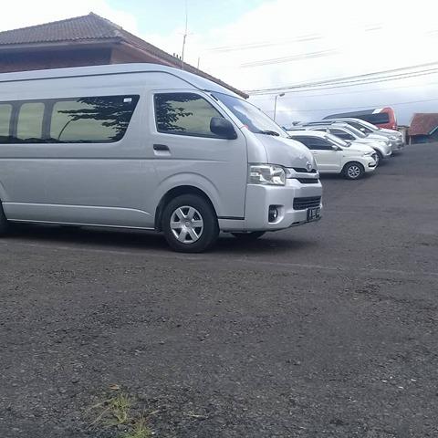 Bandung Sewa Toyota HiAce